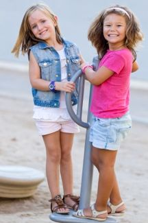 6 Ways To Help Your Child Make Friends
